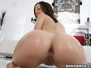 Sexy Jada Stevens has natural tits, a tight twat and an onion phat..