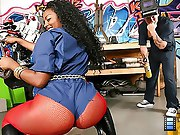 Horny big booty bombshell acquires her sombre box pounded hard in..