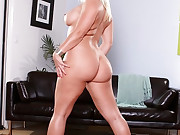 Featuring curvy figured ladies and great massive booties