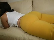Huge Darksome Ebony Rump in Yogapants !