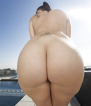 Marvelous girls with round rumps