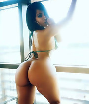 Nice-looking girls with thick booties