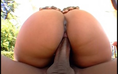 slut with humongous butt receives fucked