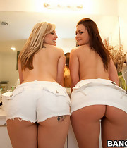 Two smokin' good big booty babies named Penelope Tyler & Dayna Vendetta.