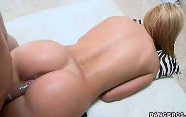 Jessie Rogers Sexy Ass. -  To show off her phat sexy juicy gazoo for you all.
